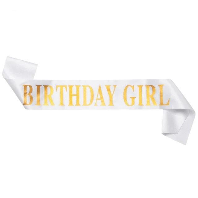 Juosta-gimtadienio-mergaitė-balta
